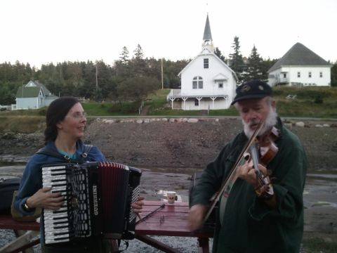 [image]Performing at a lobster dinner in Frenchboro, Maine